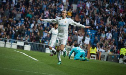 Bale celebra uno de sus goles al Celta.