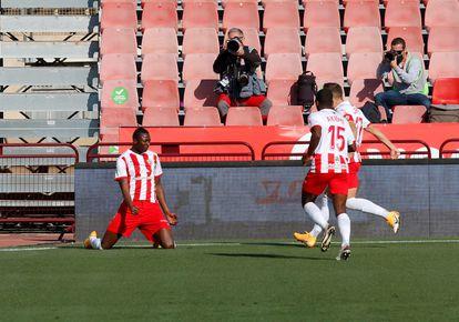 Sadiq celebra un gol ante el Alavés en la Copa.