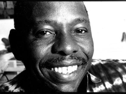 <span > Ken Saro-Wiwa fue ejecutado en 1995 tras un juicio injusto © Amnesty International/Karen de Groot</span>