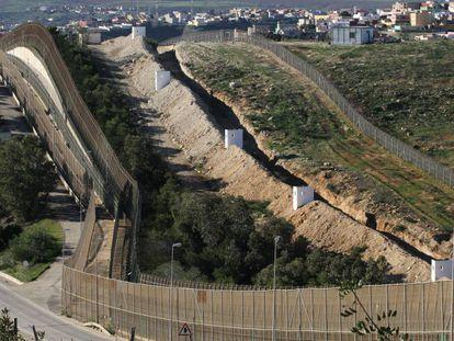 Valla fronteriza de Melilla con Marruecos, levantada para tratar de evitar la llegada de inmigrantes de forma ilegal.