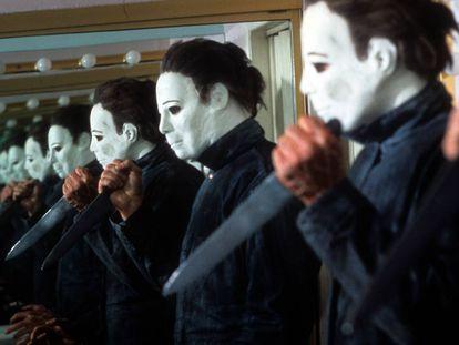 Michael Myers, el célebre asesino de la franquicia 'Halloween', en una imagen promocional de 'Halloween IV: el regreso de Michael Myers' (1988)