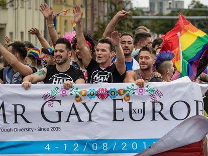 Asistentes a una manifestación LGTBI en Poznan (Polonia), el pasado agosto.