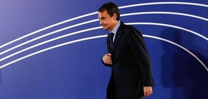 El presidente del Gobierno, José Luis Rodriguez Zapatero, a su llegada a la cumbre UE - América Latina.