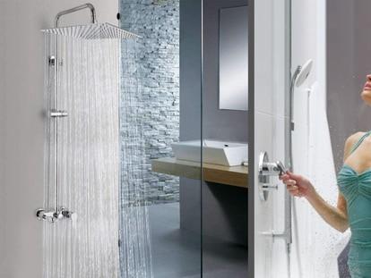 Esta regadera para baño, superventas en Amazon, tiene acabado cromado que combina con cualquier decoración.
