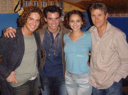 David Bisbal, David Civera, Chenoa y Alejandro Abad (productor y compositor del tema 'Mi música es tu voz').