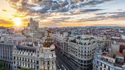 Panorámica de Madrid desde la intersección de las calles Alcalá y Gran Vía.