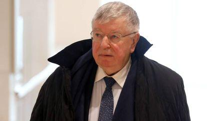 Didier Lombard, ex consejero delegado de France Telecom, llega a la corte criminal en País, el pasado lunes.