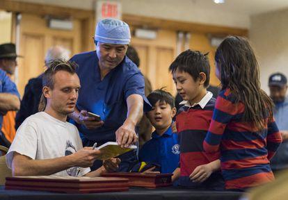 Garéyev, durante el encuentro de la víspera con sus rivales en la exhibición del récord mundial