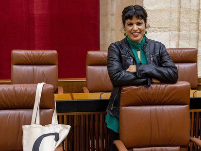 La presidenta del grupo parlamentario de Adelante Andalucía, Teresa Rodríguez, en su escaño del Parlamento de Andalucía en Sevilla.