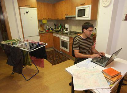 Cada vez más empleados trabajan desde casa para distintas empresas.