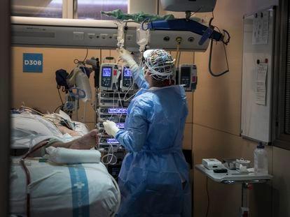 Unidad de Cuidados Intensivos del Hospital Vall d'Hebron de Barcelona, a mediados de enero.