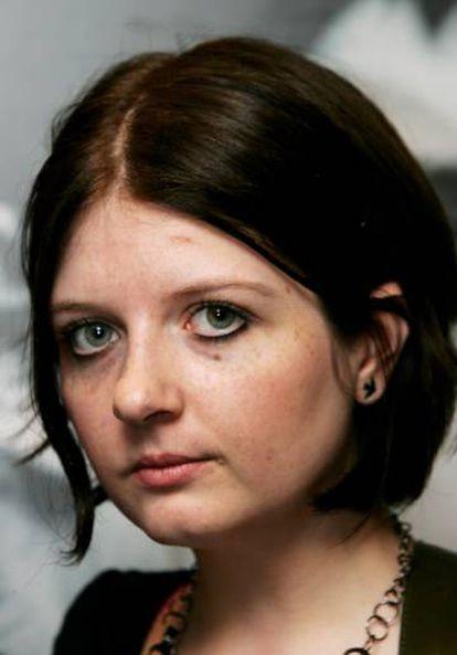 Natalie, única hija de Ian Curtis, en el estreno de la película 'Control' en Londres en 2007.