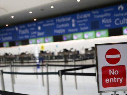 Terminal de facturación en el aeropuerto londinense de Gatwick.