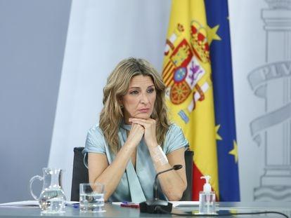 La vicepresidenta tercera del Gobierno y ministra de Trabajo y Economía Social, Yolanda Díaz, en rueda de prensa el pasado 27 de mayo.