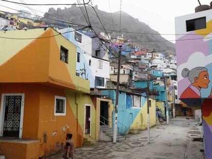 Una calle de la barriada del cerro San Cristóbal, en Lima.