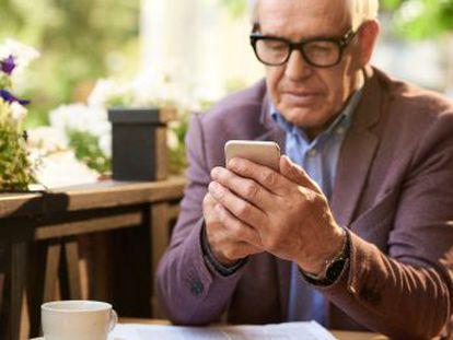 El uso de los móviles alcanza por igual a todos los tramos de edad y la atracción por estos dispositivos es igual para alguien mayor de 65 años que para un millennial