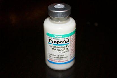 Bote de 200 miligramos de Propofol, el anestésico usado en los casos de negligencia.