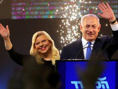 El primer ministro conservador y el candidato de centro siguen a la par, pero el Likud cuenta con el apoyo de los partidos de la derecha