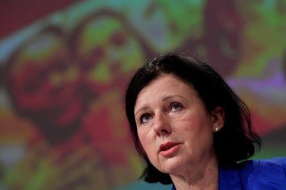 La vicepresidenta europea de Valores y Transparencia, Vera Jourová, en una rueda de prensa en Bruselas.