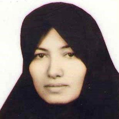 Sakineh Mohammadi Ashtiani, de 43 años, lleva cinco años en la cárcel, condenada a ser lapidada.
