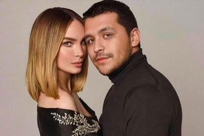 La pareja de los cantantes mexicanos Belinda y Christian Nodal.