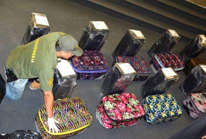 Las valijas descubiertas en la embajada rusa cargadas de cocaína.