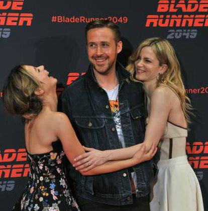 Ana de Armas, Ryan Gosling and Sylvia Hoeks during the premiere of 'Blade Runner 2049' in Barcelona last June.