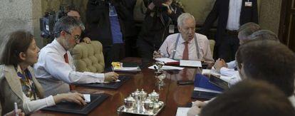 El ministro de Asuntos Extriores, José Manuel García Margallo, durante la videoconferencia.