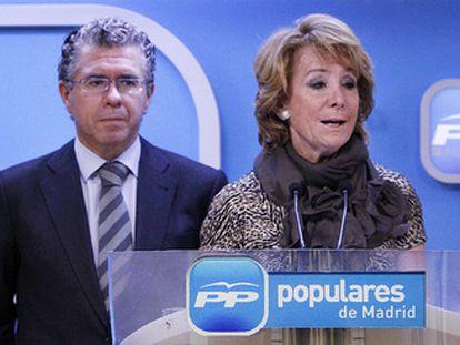 Esperanza Aguirre y el ex secretario general del PP de Madrid Francisco Granados.