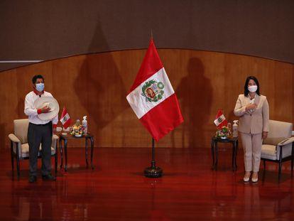 Los candidatos en las elecciones presidenciales de Perú: Pedro Castillo y Keiko Fujimori, el pasado 17 de mayo.