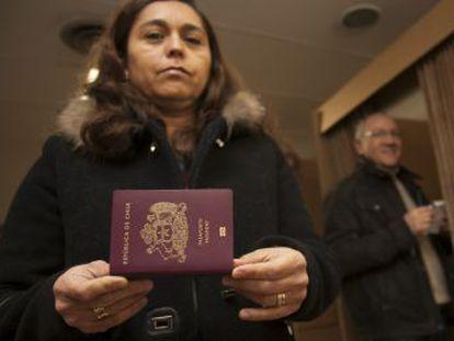 Los chilenos en el extranjero votan por primera vez en una elección presidencial