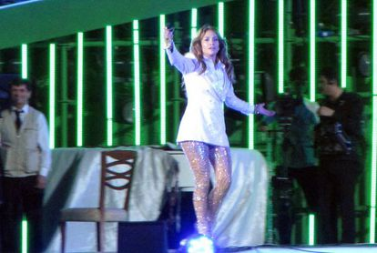 Jennifer Lopez durante su actuación en Turkmenbashi, Turkmenistán.