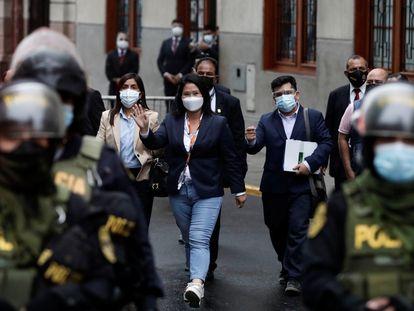Keiko Fujimori, el lunes, después de declarar ante un juez por un pedido de revocación de su libertad condicional, en Lima.