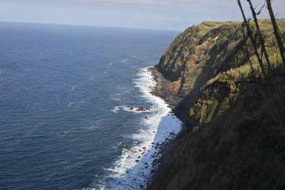 Paisaje característico de la zona norte de la Isla de Sao Miguel, en la que se escondió el barco.