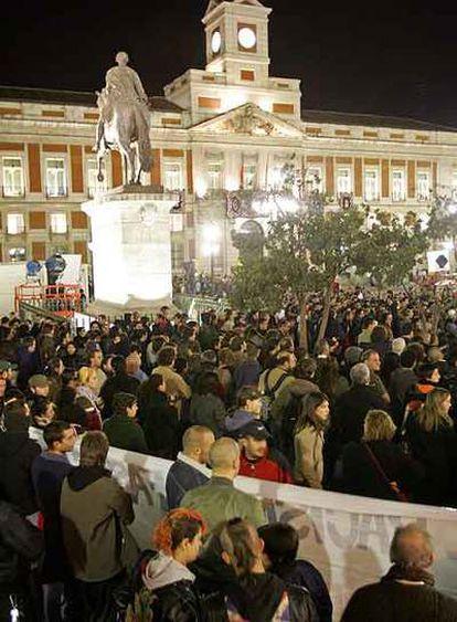 Concentración convocada por móvil en la Puerta del Sol.