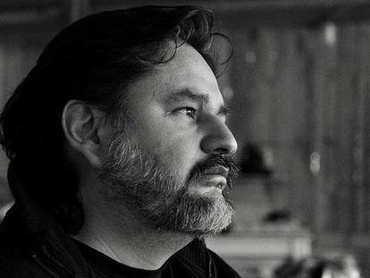 Diego Enrique Osorno, periodista y cineasta mexicano, acaba de publicar su nuevo libro, 'Mundo enfermo'.