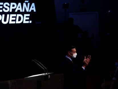 """El presidente del Gobierno, Pedro Sánchez, durante la conferencia """"España puede. Recuperación, Transformación, Resiliencia""""."""