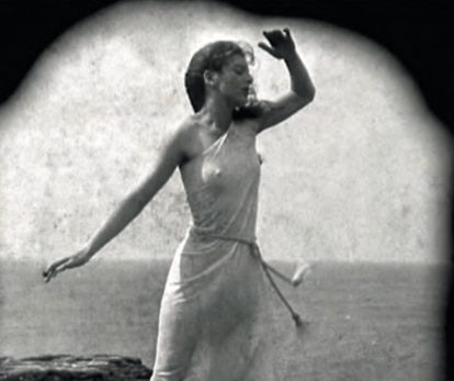 Un fotograma de 'Arcadia', magistral mosaico de imágenes y música realizado por Paul Wright.