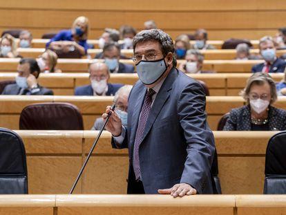 El ministro de Inclusión, Seguridad Social y Migraciones, José Luis Escrivá, en el Senado el pasado 5 de octubre.
