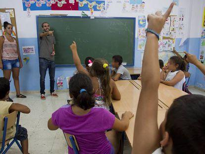 Alumnos en una escuela de verano en un colegio de Málaga.