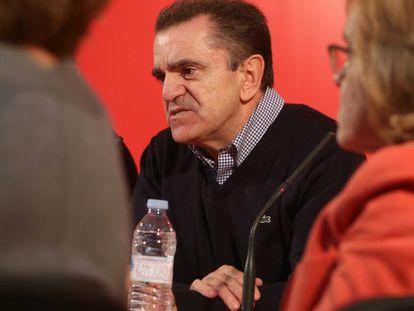 El lider del PSM, José Manuel Franco, en la sede del partido de Puente de Vallecas