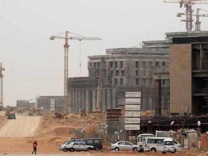 Obras de construcción de la futura sede del Consejo de Ministros en la Nueva Capital Administrativa de El Cairo, en mayo de 2019.