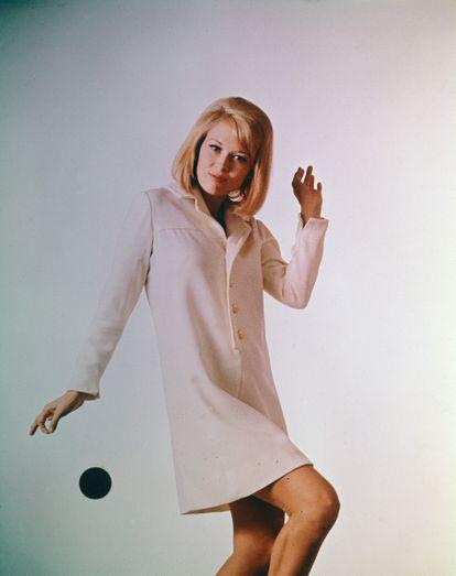 Retrato publicitario de la actriz Faye Dunaway en la década de los sesenta.