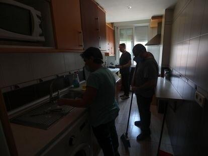 Piso tutelado por el Área de Gobierno de Familia, Igualdad y Bienestar Social del Ayuntamiento de Madrid habilitado para personas sin techo.