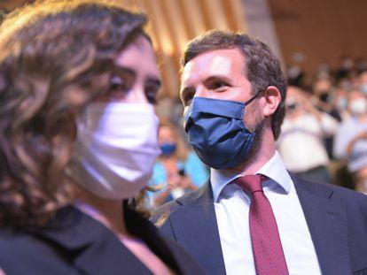 La presidenta de Madrid, Isabel Díaz Ayuso, y el presidente del PP, Pablo Casado, en Valencia el pasado 2 de octubre.