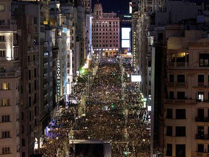 La manifestación por el día de la mujer, 8-M, llegando a su final en la plaza de España, donde se lee el manifiesto.