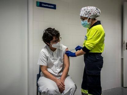 Vacunación en una residencia de Toledo, el pasado enero.
