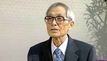 Hirotugu Akaike durante una entrevista tras recibir el Premio Kioto en 2006