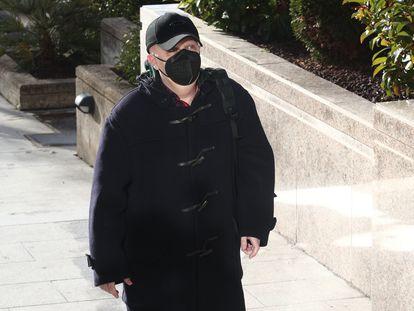 Paco Sanz a su llegada a la tercera sesión del juicio el 10 de febrero.