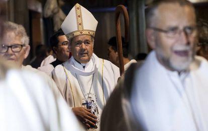 El obispo chileno Juan Barros, durante una misa en marzo.